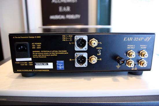 ear-324-2.jpg